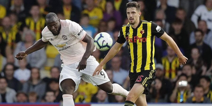 Wolves hold struggling Man U to 1-1 in EPL