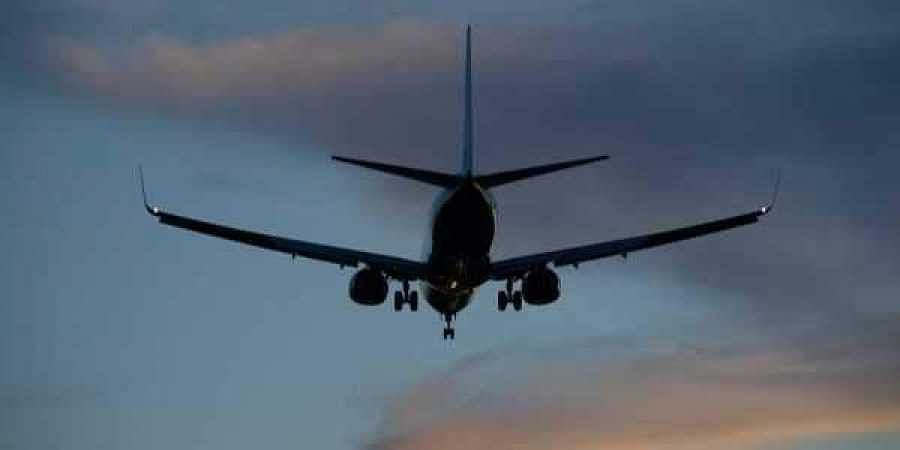 India airliner turns back due to bleeding passengers
