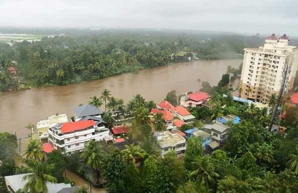 A view of  flood situation in Kochi (Photo | EPS)