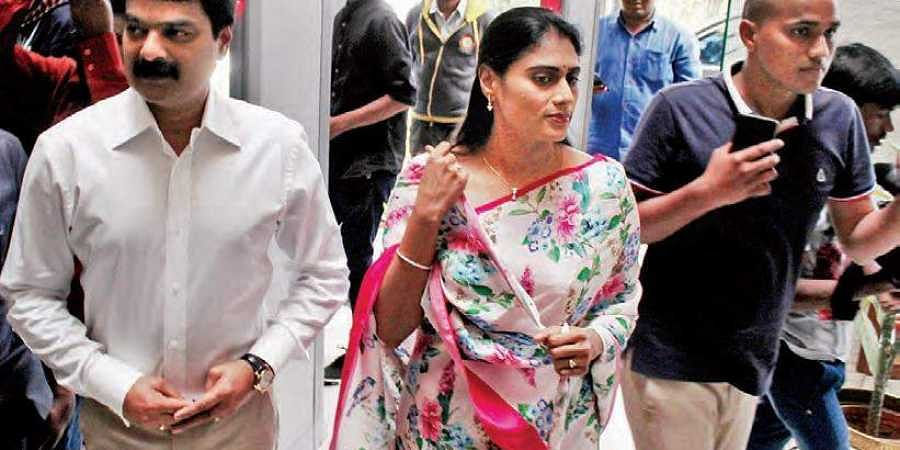 Sharmila asks Hyderabad cops to take action against rumours
