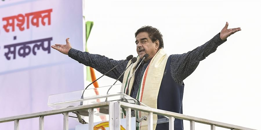 Mahagathbandhan against the people, says Narendra Modi
