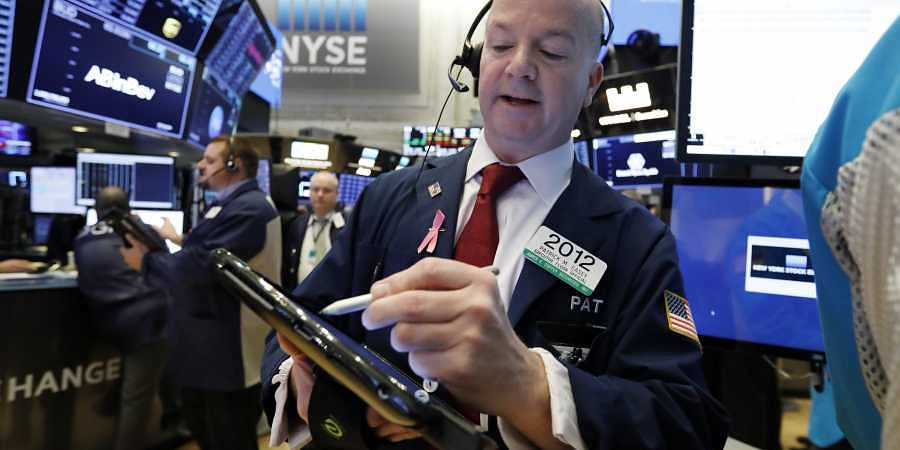 Stocks take a beating after iPhone sales slip; Dow falls ...