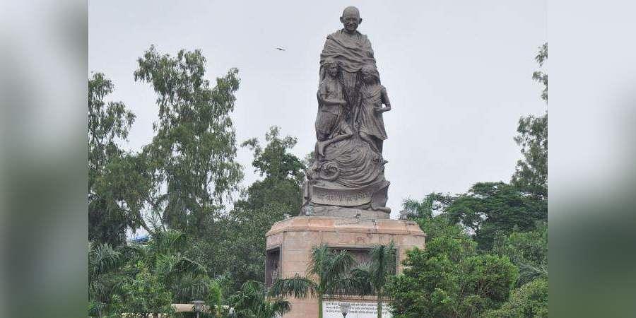 World's tallest Gandhi statue installed at Patna's Gandhi Maidan