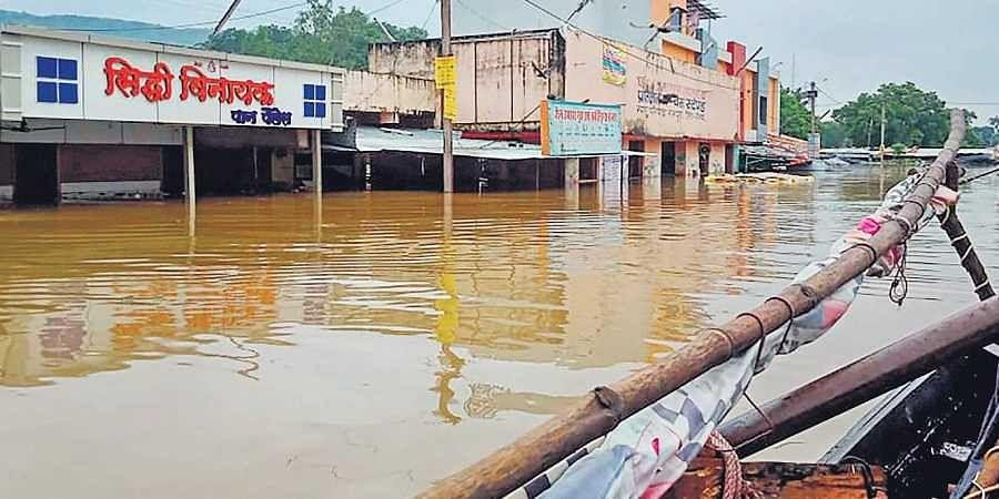 Madhya Pradesh: Villagers carry bodies for last rites in waist-deep water