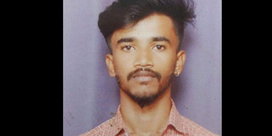 College student, Manikanta, stabbed the girl after she refused his proposal.
