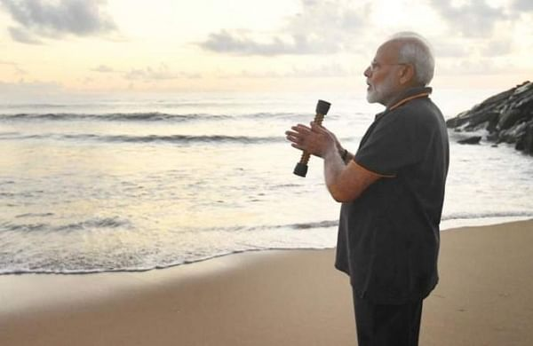 "PM Narendra Modi pens poem on his ""conversation"" with ocean at Mamallapuram"