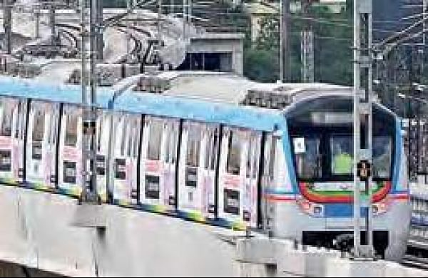 Metro and MMTS' poor service add to Hyderabad's commuter woes