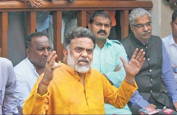 Congress leader Sanjay Nirupam addresses the media in Mumbai on Friday. | (Photo | PTI)