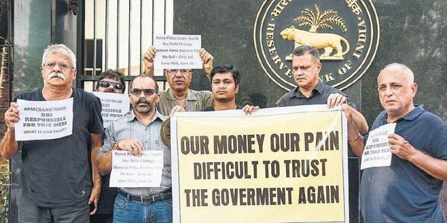 Protestors outside RBI