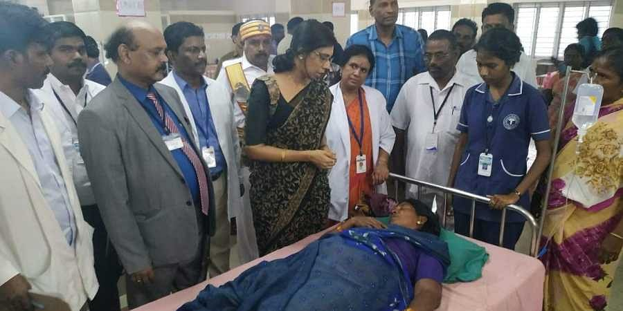 Pudukkottai District Collector P Uma Maheshwari at the hospital