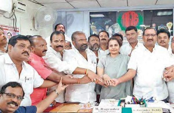 Telangana government employees' unions now to back TSRTC strike