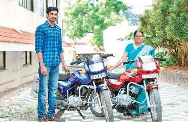 A motorless vehicle to reduce e-waste