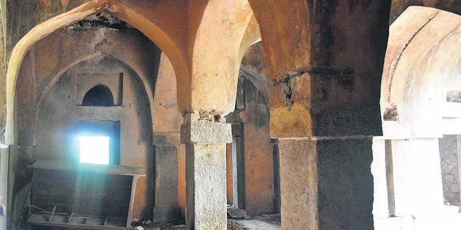 Hidden behind thick foliage, Malcha Mahal was occupied by the descendants of the Nawab of Awadh for over 32 years. |
