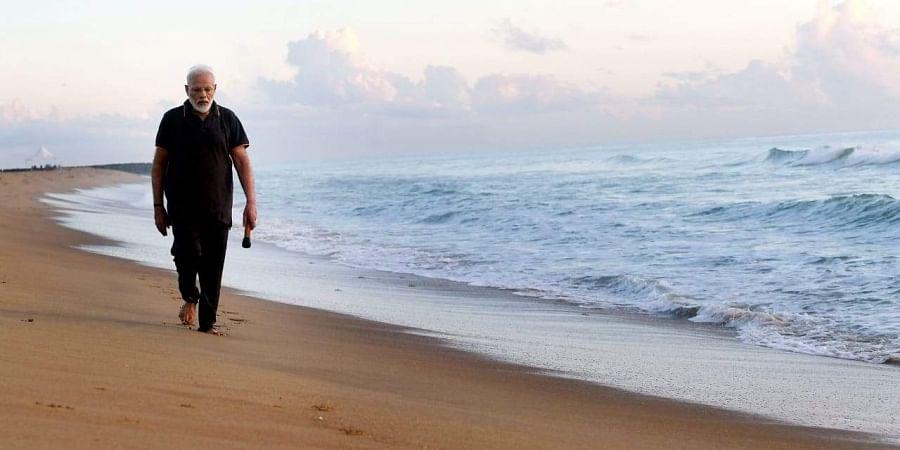 PM Narendra Modi at a Mamallapuram beach (Photo | EPS)