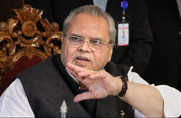 'None of their own lost to terrorism', J&K Governor slams Hurriyat, Kashmiri politicians