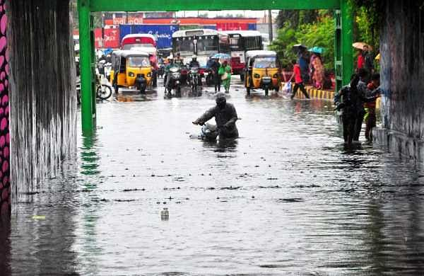 Heavy rains batter coastal Andhra, two killed in wall collapse