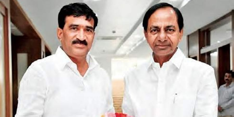 Vanteru Pratap Reddy with Chief Minister K Chandrasekhar Rao  at Pragathi Bhavan in Hyderabad on Wednesday