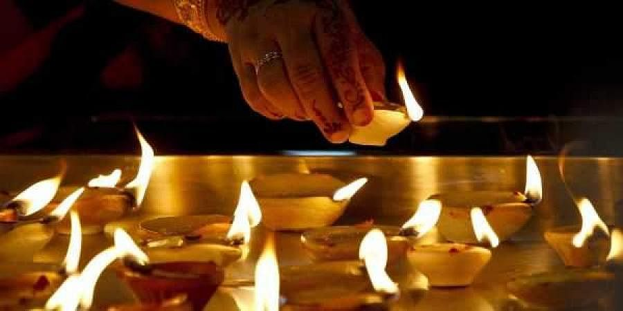 Image of diyas used for representational purpose only.