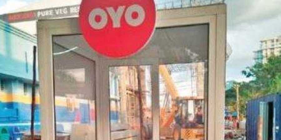 An Oyo kiosk outside the Yeshwantpur railway station