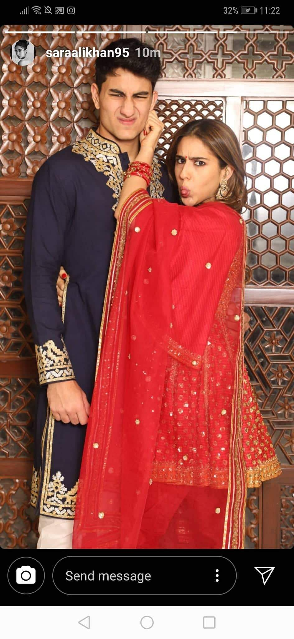 2019-Bollywood-Diwali-Photos-Sara-Ali-Khan-Saif-Family