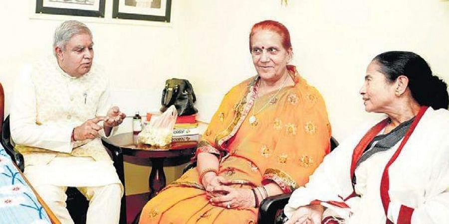 Bengal CM hosted Governor Jagdeep Dhankar and his wife at her residence.
