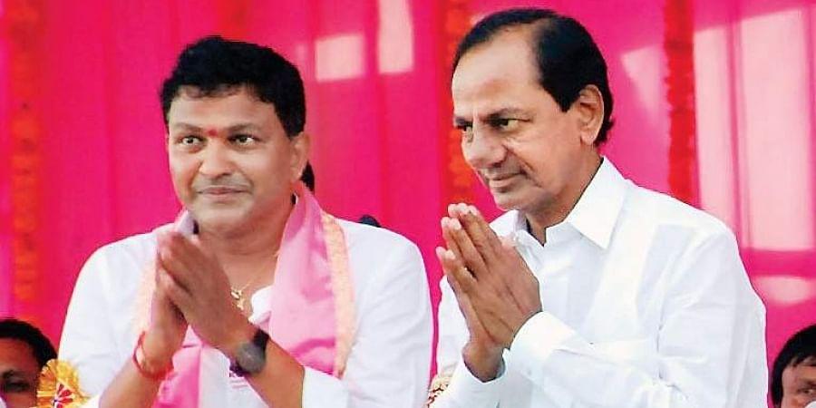CM K Chandrasekhar Rao with S Saidi Reddy in Huzurnagar.