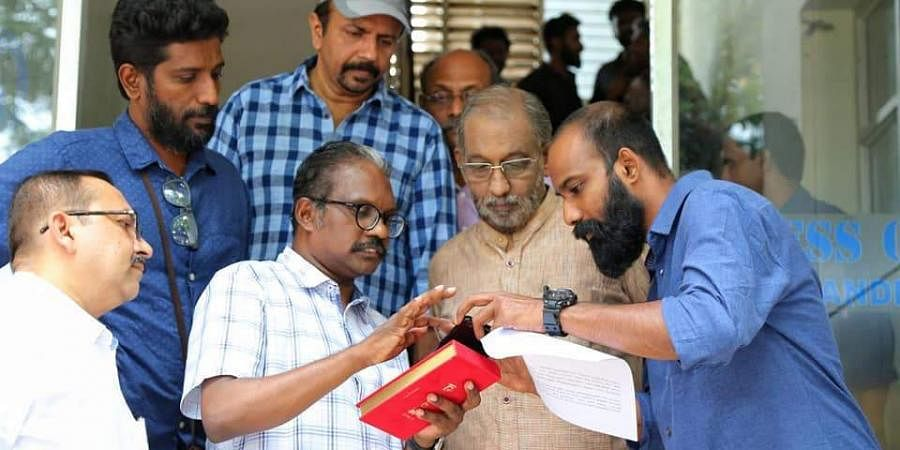 Nedumudi Venu on the sets of Orange Marangalude Veedu