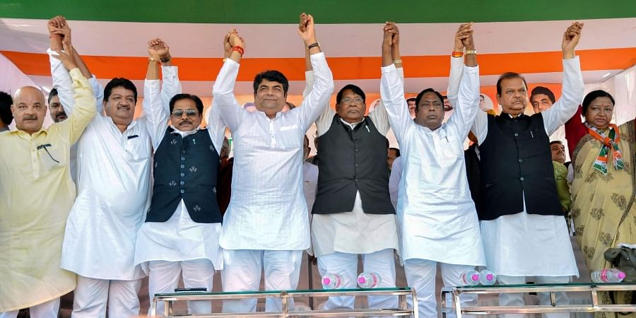 Congress state in-charge for Jharkhand RPN Singh with Jharkhand Pradesh Congress Committee President Rameshwar Oraon, senior leader Subodh Kant Sahay and other leaders of the party during their 'Jan Aakrosh Rally' in Ranchi