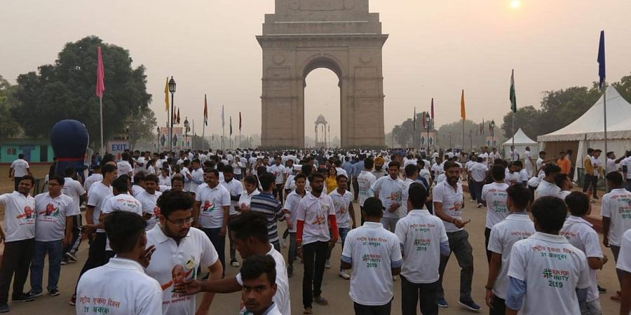 Thousands of participants of the 'Run for Unity' braved bad air quality in New Delhi on 31 October 2019.