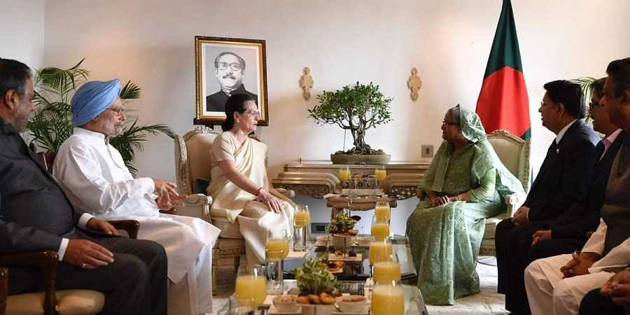 Interim Congress chief . Sonia Gandhi and former PM Dr Manmohan Singh meet with Bangladesh PM Sheikh Hasina