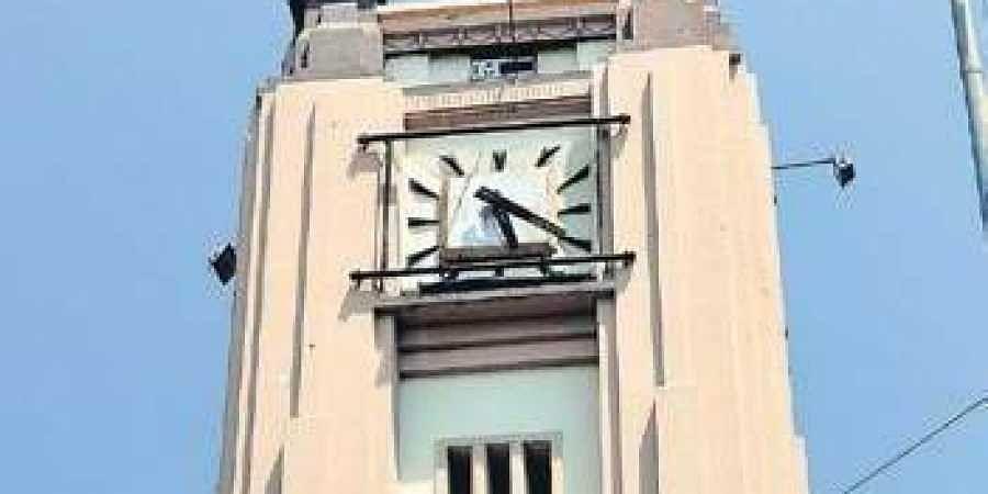 Mint Clock Tower frozen at 5:20 at Vallalar Nagar