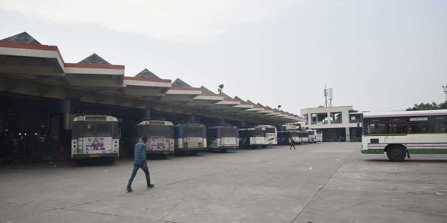 TSRTC Buses at MGBS BUS Station runed by Private Drivers during the Third day of TSRTC Employees strike. | (Photo | Vinay Madapu/EPS)