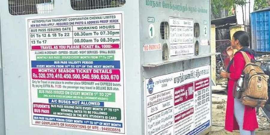 Commuters renew their passes in Adyar or Thiruvanmiyur