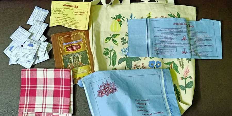 The return gift was also environment-friendly, a cloth bag, two seed balls and a cotton towel.