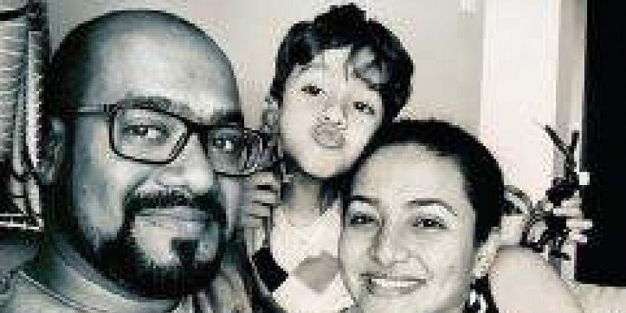 Lyson Peas with daughter Anaira, son Rishaan and wife Soumya Achrekar Paes