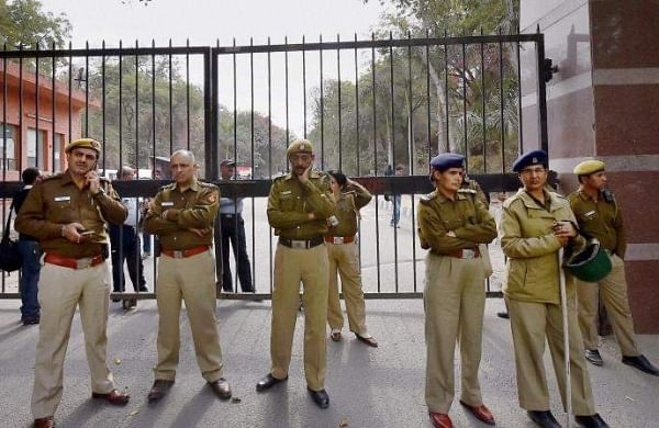 Delhi Police resume work at Tis Hazari court after two weeks, lawyers continue strike