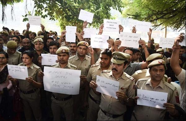 Delhi police vs advocates: Twocops get interim protection from arrest