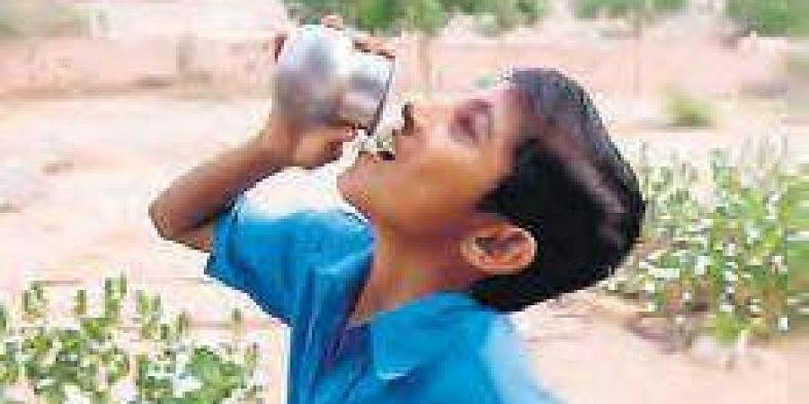 water, child, child drinking water