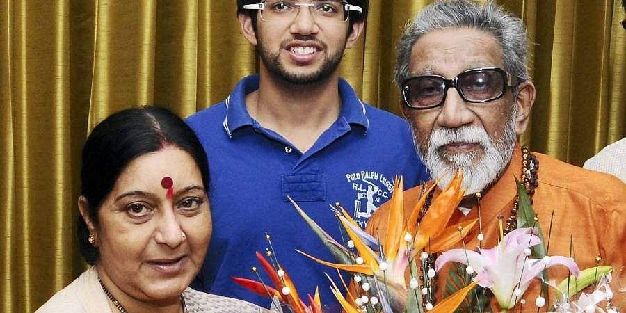 Then Shiv Sena chief Bal Thackeray greeted by BJP leader Sushma Swaraj during a meeting.