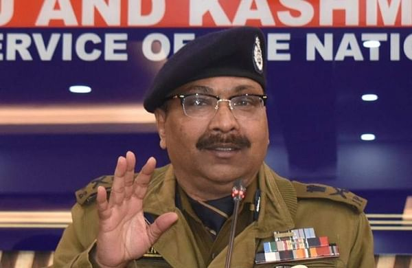 Desperate Pakistan, militant handlers trying various tactics to provoke people: J&K DGP