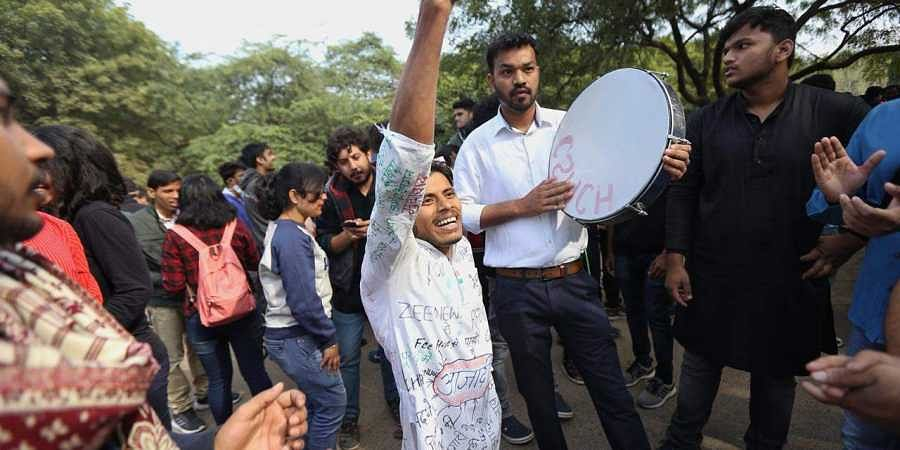 JNU students protest against free hike in New Delhi on Monday. | (Photo | Arun Kumar/EPS)