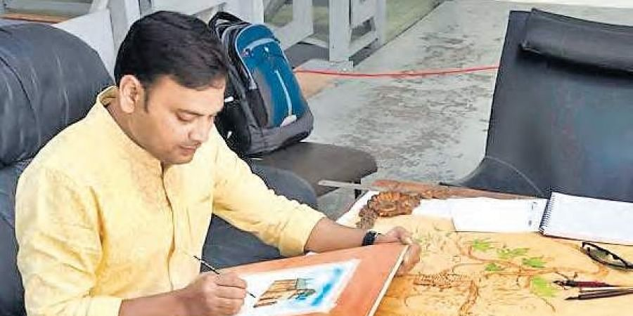 Artist and educationist Sunil Lohar creating an artwork during his six-week residency programme at Bordeaux, France