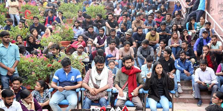 JNUSU president Aishe Ghosh addresses a press conference at JNU in New Delhi. (File Photo | EPS)