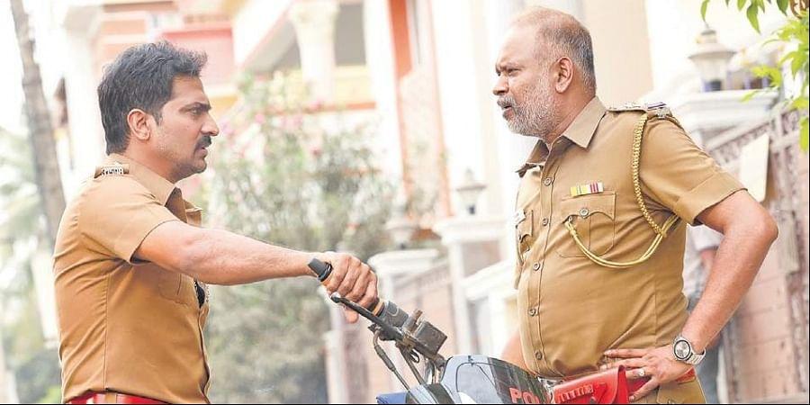 Vaibhav (L) and Venkat Prabhu in 'Lock Up'