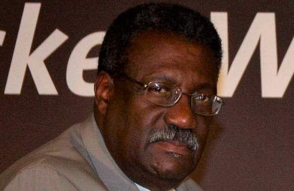 Clive Lloyd (West Indies): 09 centuries  as skipper