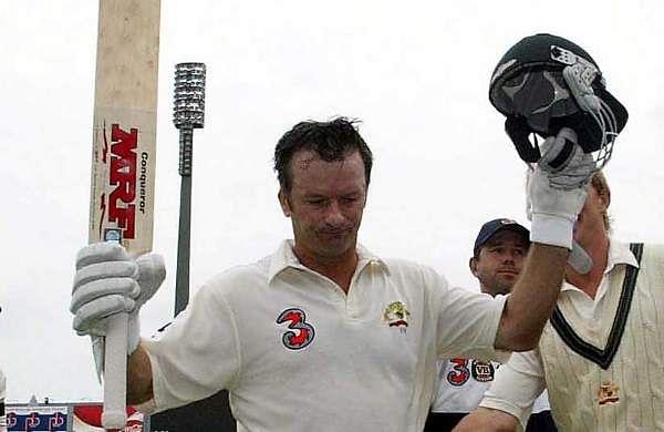 Steve Waugh (Australia): 15 centuries  as skipper