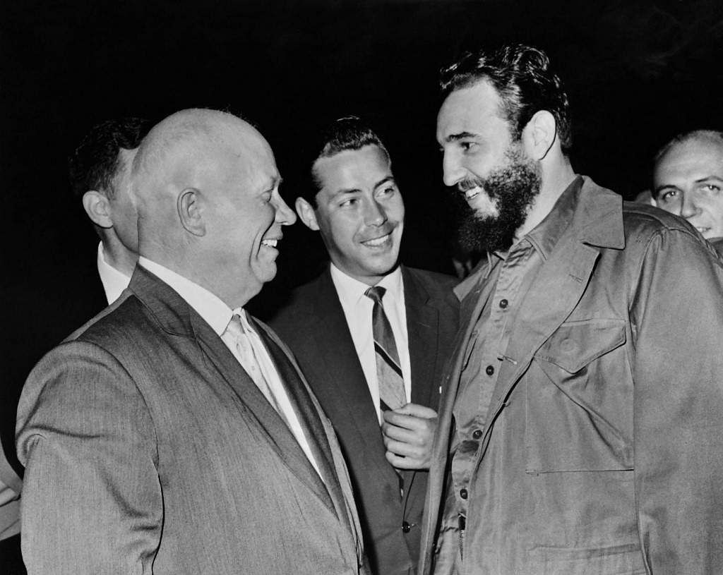 General Secretary of the Central Committee of the Communist Party of the Soviet Union Nikita Khrushchev (L) speeks with Prime Minister of Cuba Fidel Castro (R) during the United Nations Security Council, on September 22, 1960 in New-York.