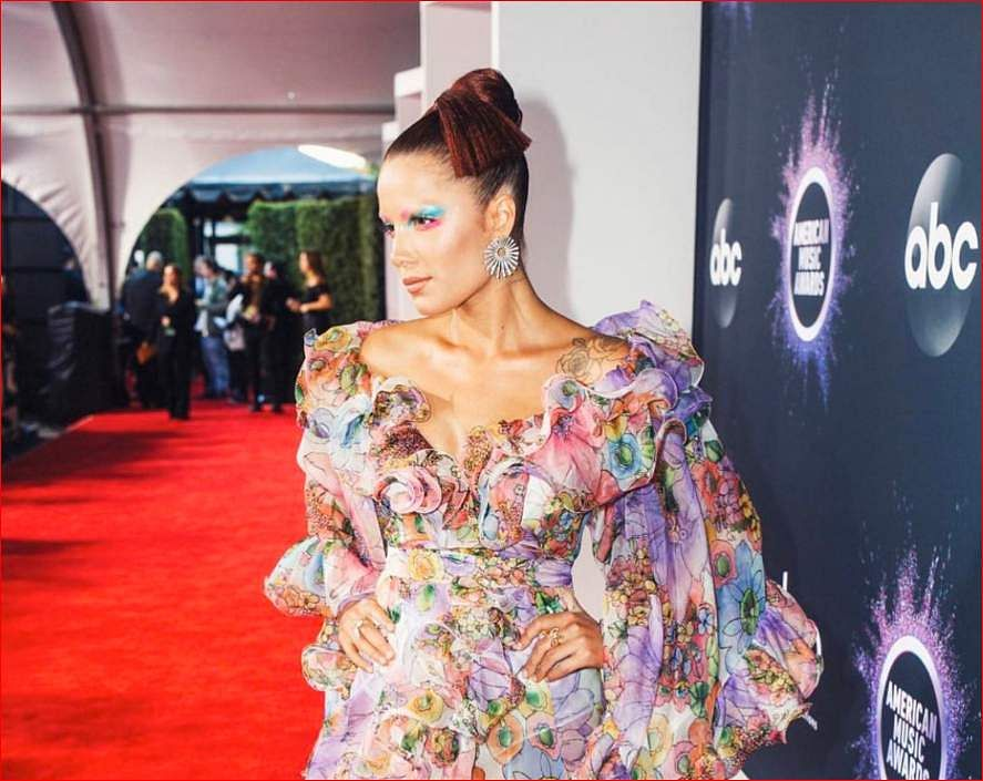 Halsey: The artist won her first ever AMA for pop/rock song of the year 'Without Me'.