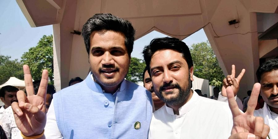 Congress MLA Dhiraj Deshmukh R and NCP MLA Rohit Pawar at the Vidhan Bhavan for the oath ceremony of the newly-elected MLAs in Mumbai Wednesday Nov. 27 2019. (Photo | PTI)