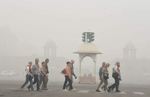 37 flights diverted, pollution level at 3-year high in Delhi